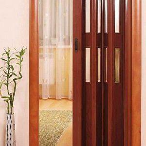 Раздвижные двери со стеклами
