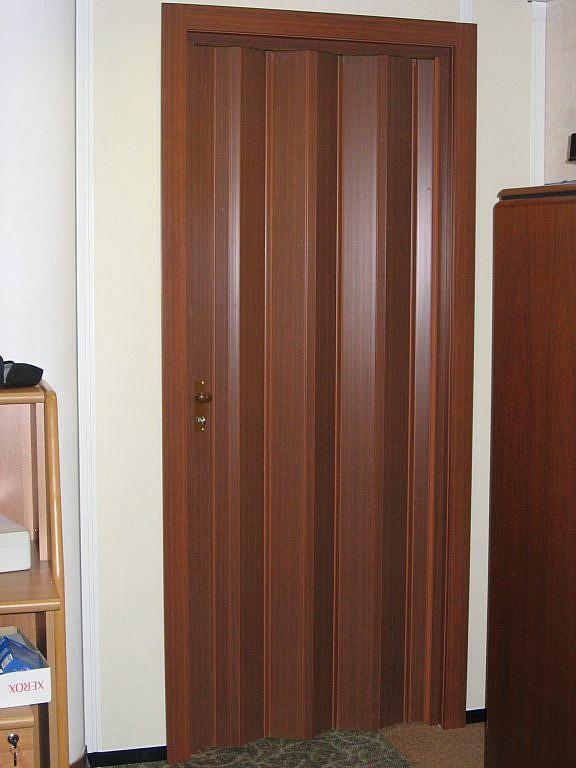 двери гармошка межкомнатные